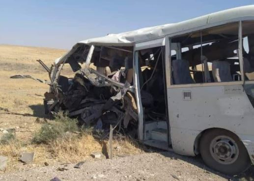 Hama countryside – Crashed bus transferring Syrian government soldiers