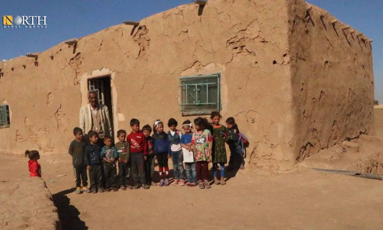 Photo of Residents in Syria's Hasakah turn houses to schools due to Turkish shelling